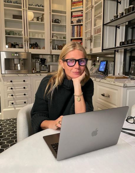 Gwyneth Paltrow Age, Net Worth, Relationship & Bio